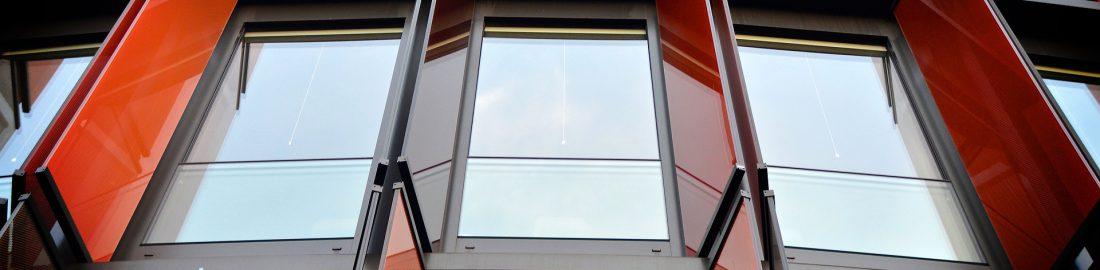 window-2996877_1920-1100x270